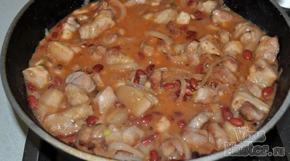 Фасоль со свининой в томатном соусе рецепты