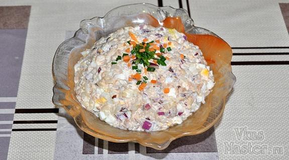 Салат с консервированной горбушей рецепт пошагово