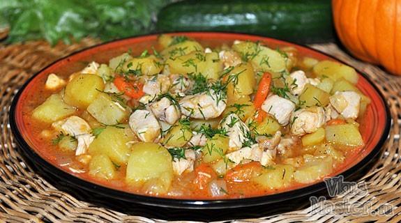 Рагу из куриного филе с картошкой